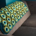 cozy-peacock-yarn-blanket-03