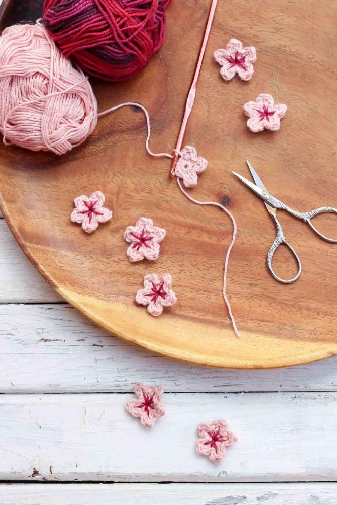 crochet-mini-cherry-blossoms-06