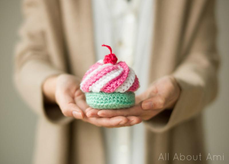How to Make Crochet Swirly Cupcake - Crochet - Handimania