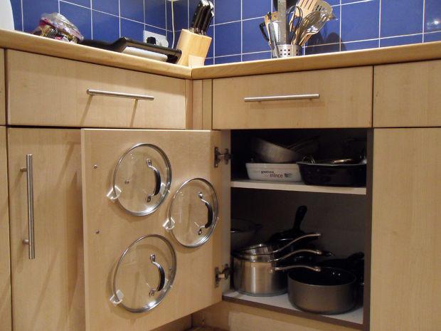 cupboard-pan-lid-organiser-01
