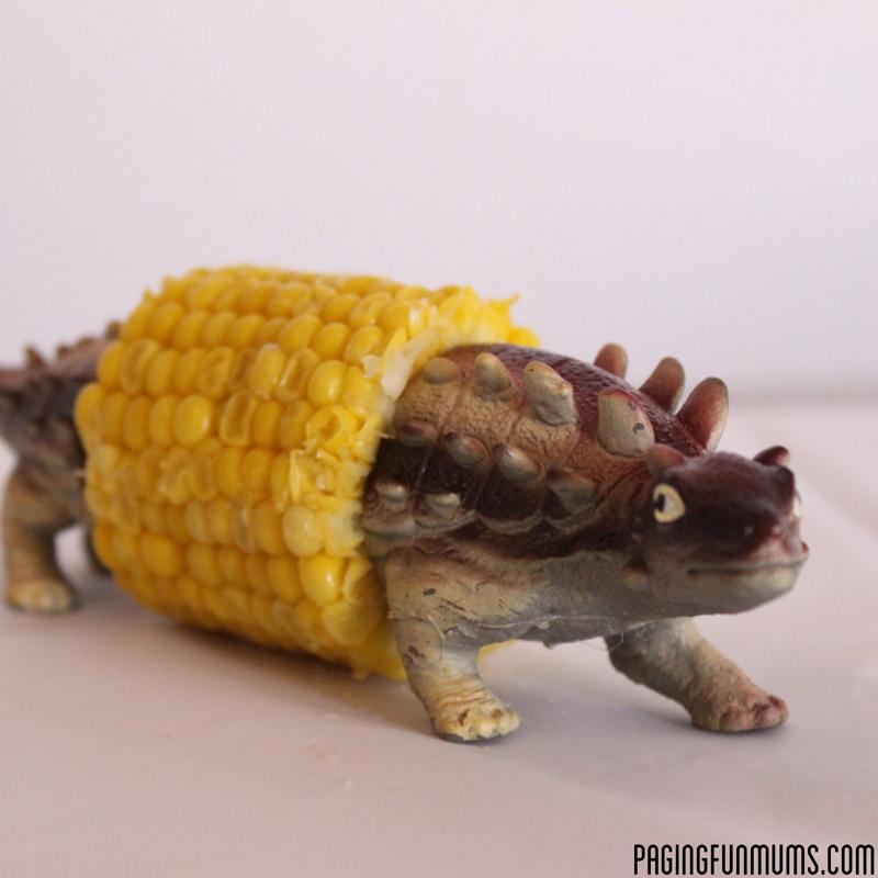 dinosaur-corn-holder-04