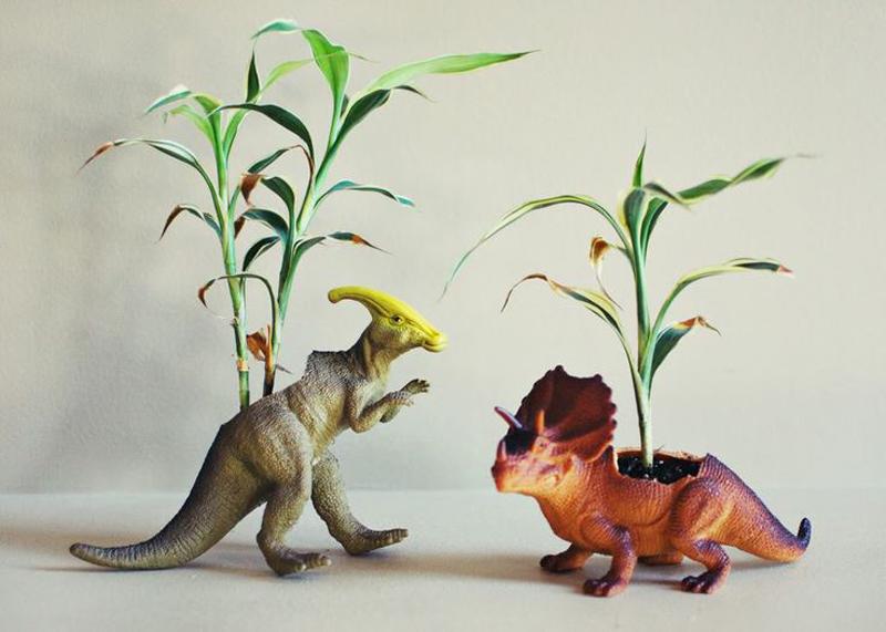 dinosaur-planters-02