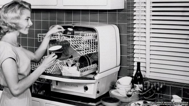 3 Dishwasher Myths: 'A Dishwasher Is Not Economical at All!'