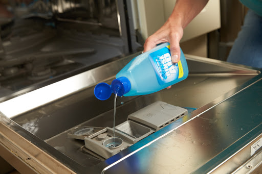 6 Most Common Mistakes We Make While Using Dishwashers