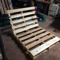 diy-pallet-chair-05