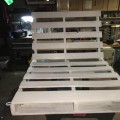diy-pallet-chair-10
