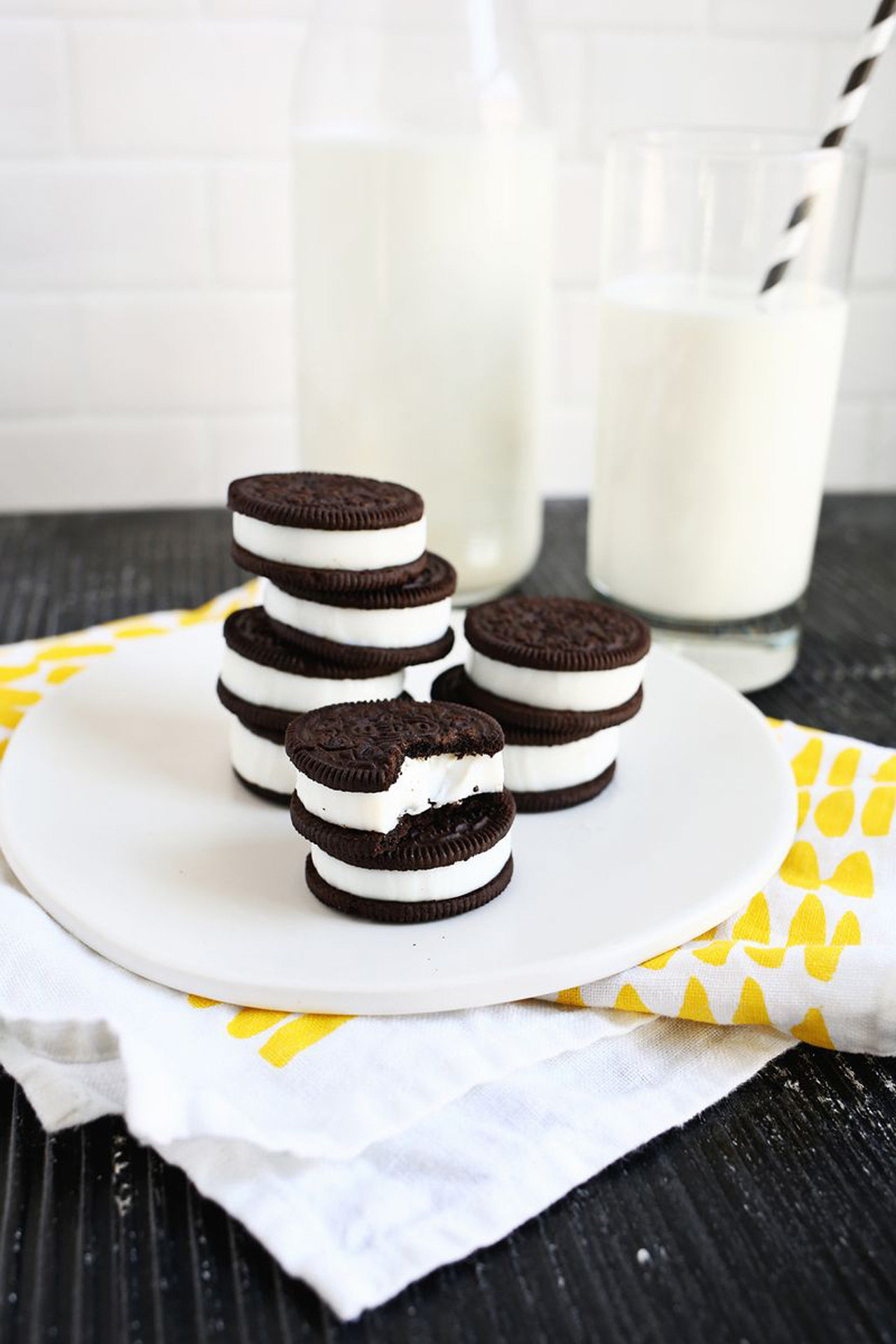 double-stuffed-oreo-jello-shots01