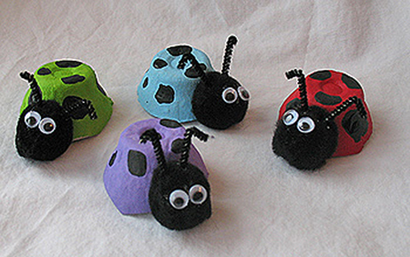 egg-cartons-ladybug-03