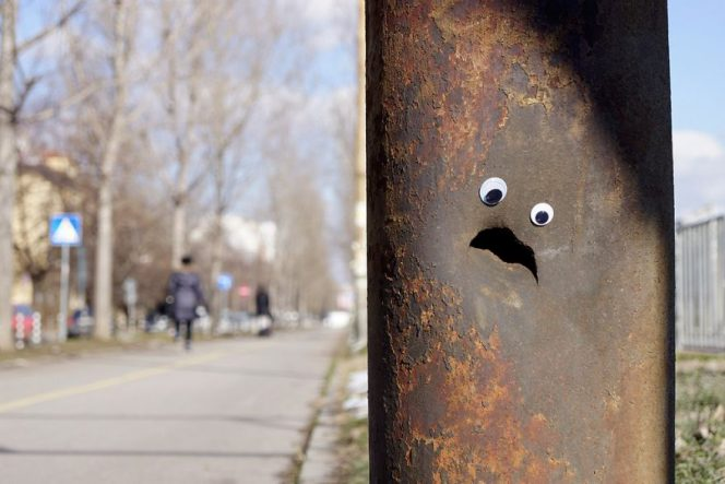 20 Damaged Urban Landscape Elements That Have Become Amusing Pieces of Art!
