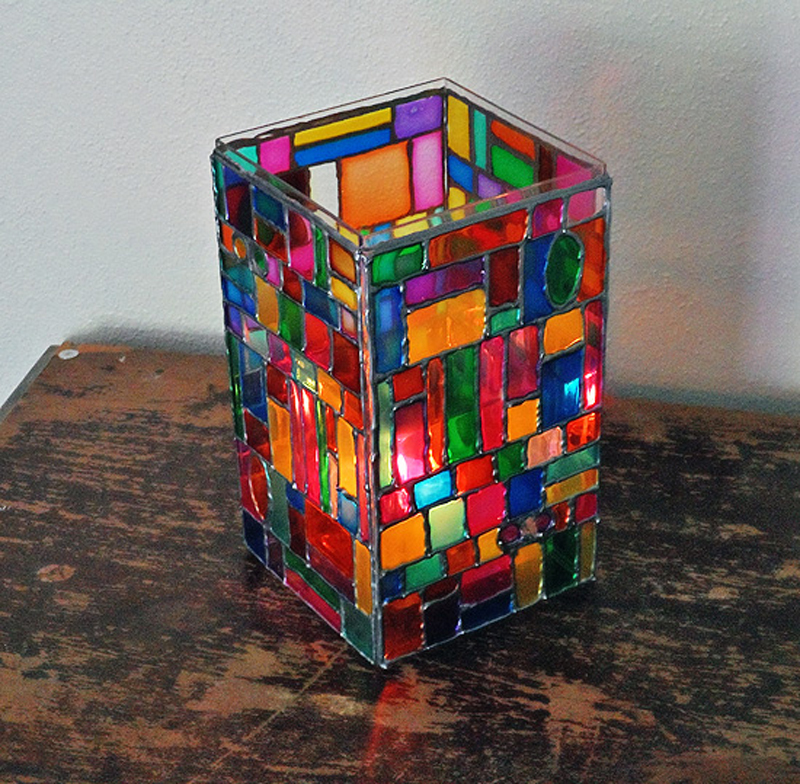 faux-stained-glass-mosaic-luminary-04