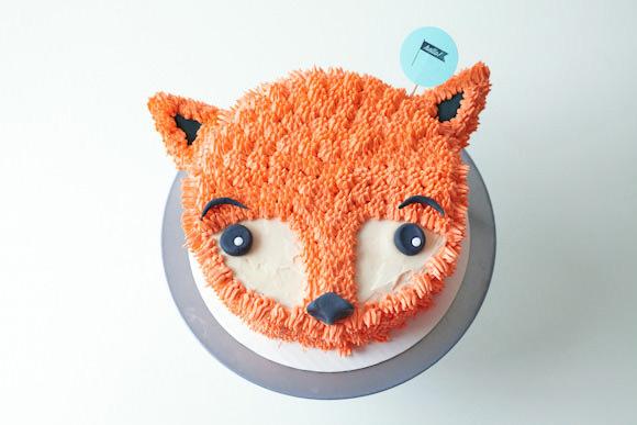 fluffy-fox-cake-01