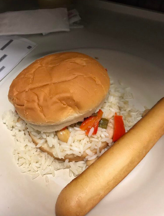 15 Examples Proving That Hospital Food Is Terrible All over the World. How Could Anyone Serve Anything like This?