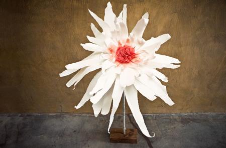 giant-paper-flower-fi