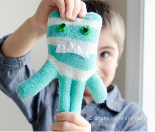 glove-monsters-03