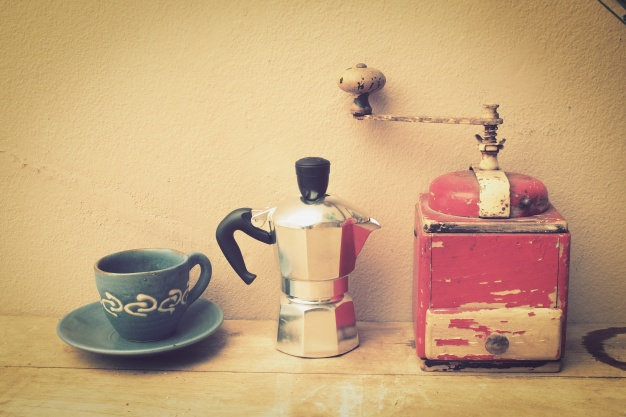 A Secret Function of Old Coffee Grinders! They Were Used for Something More Than Their Name Suggests…