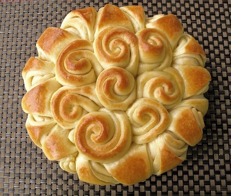 How To Make Happy Holiday Bread Cooking Handimania