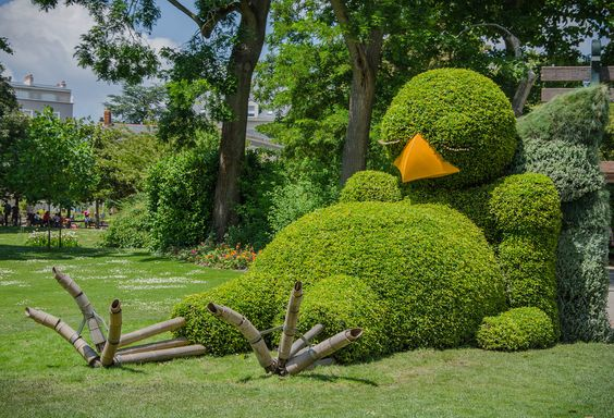 21 Breath-Taking Hedge Figures from All over the World.  The Plant Sculptures Are So Underestimated!