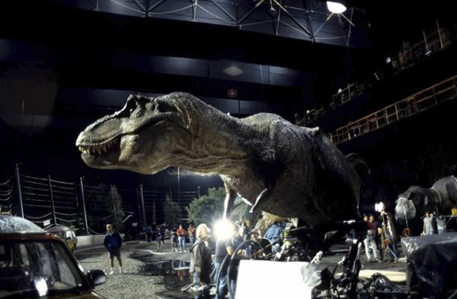 22 Photos Taken behind the Scenes of Famous Hollywood Productions. This Is How Classics Were Made