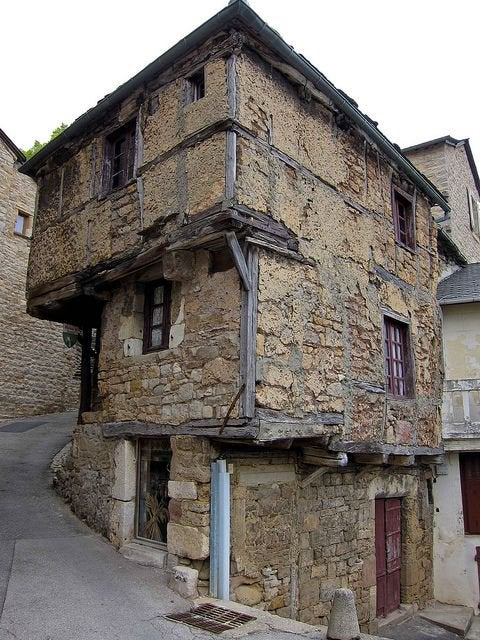 13 Oldest Residential Houses That Have Survived the Empires. And Some Are Still Inhabited!
