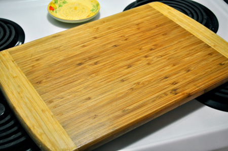 how-to-clean-cutting-board-fi