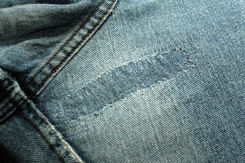 how-to-fix-holes-in-jeans-04