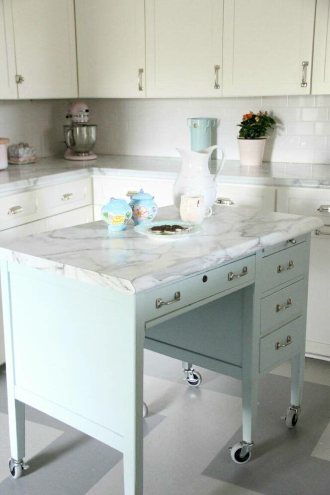 9 Ingenious Kitchen Island Ideas to Save Loads of Space