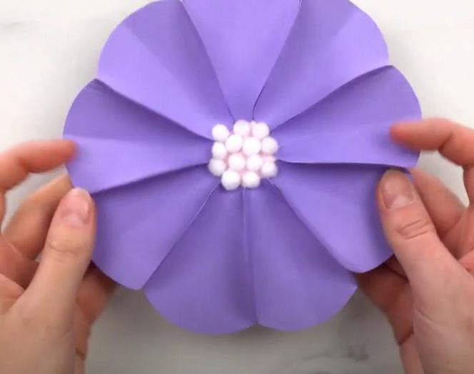 6 Decorative Flowers You Can Make of Paper