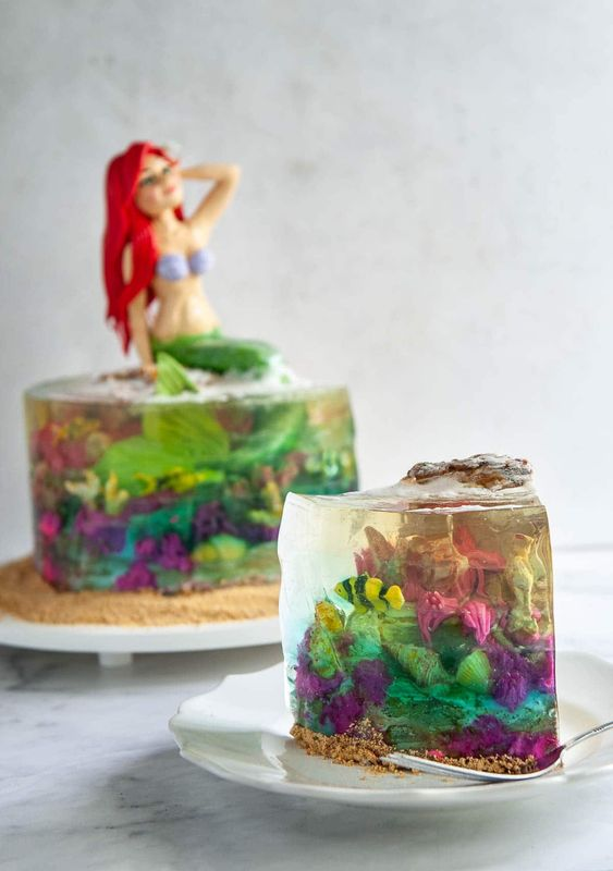 18 Model Cakes That Make Perfect Use of Jelly. Amazing Decorations!