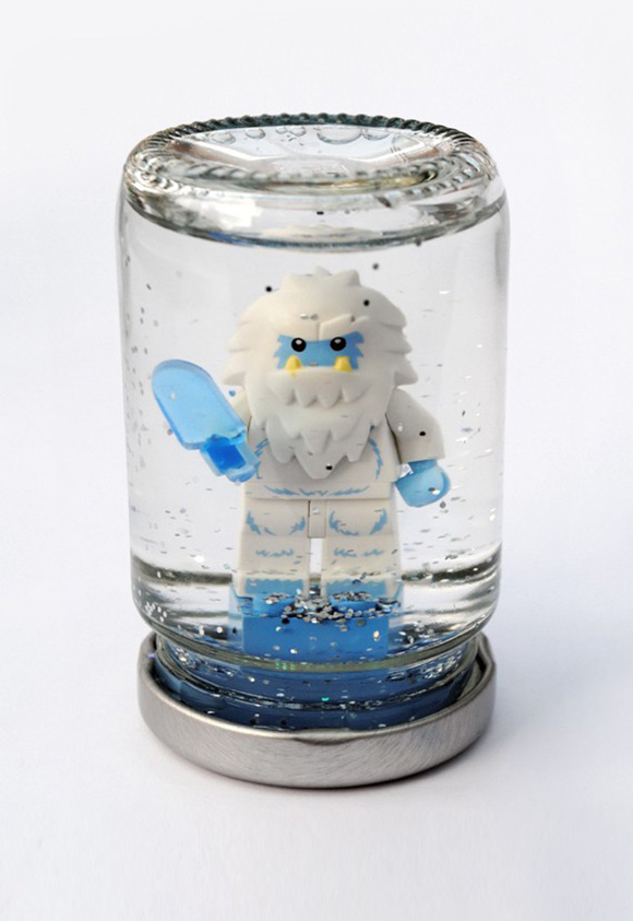 lego-snowglobes-01