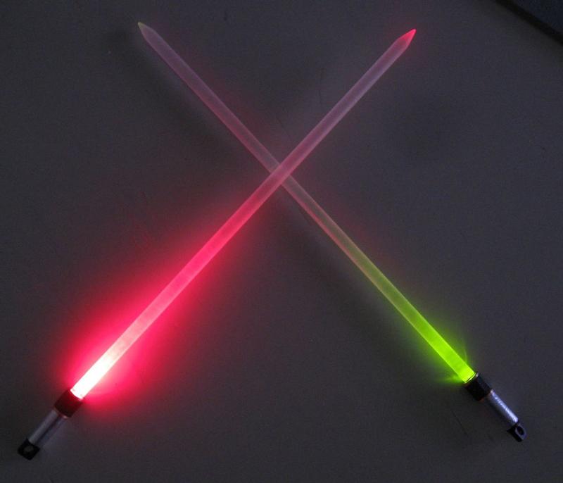 lightsaber-knitting-needles-03