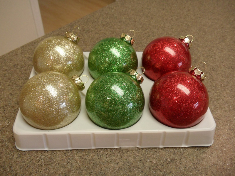 llittering-christmas-ornaments-03