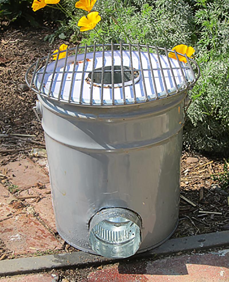 metal-bucket-rocket-stove-03