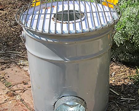 Garden d i y zone handimania for Decorative rocket stove