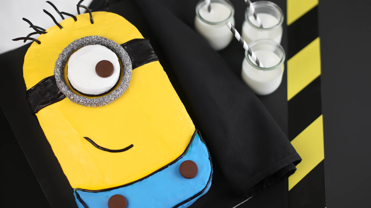How to Make Despicable Me Minion Cake Cooking Handimania