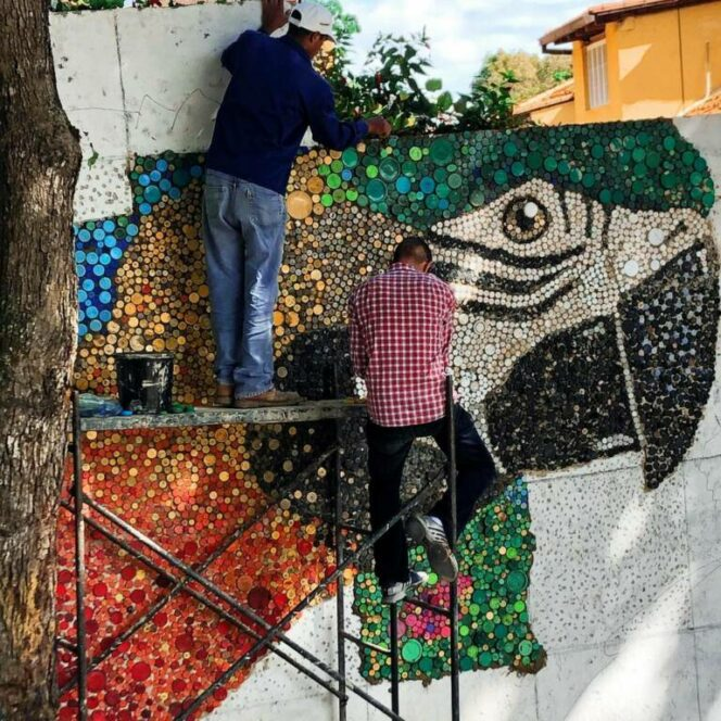 A Nasty Wall, the Ugliest Thing in the Neighborhood, Turned Into a Piece of Art in a Cheap and Eco-Friendly Way!