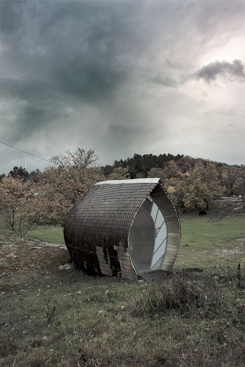 naturally-shaped-cabin-03