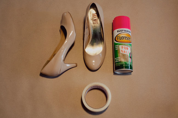 neon-toe-shoes-01
