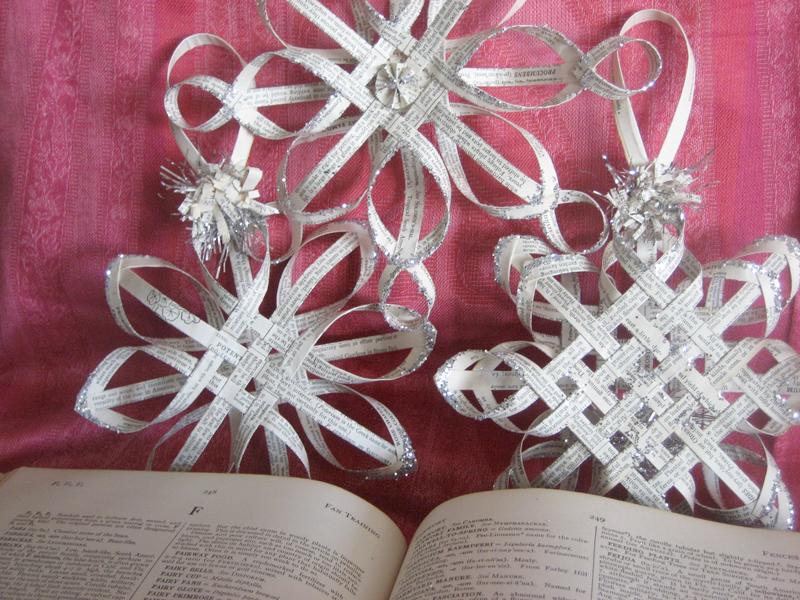 Новогодние объемные украшения своими руками