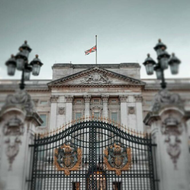 13 Secrets of the Buckingham Palace. Things You Can Find Beyond the Royal Residence