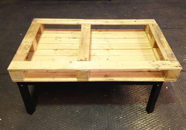 pallet-coffee-table-01