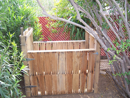 pallet-compost-bin-fi