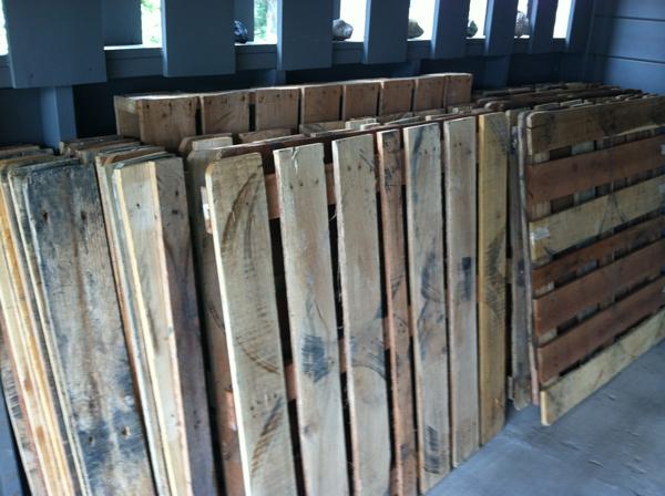 pallet-wood-floor-01