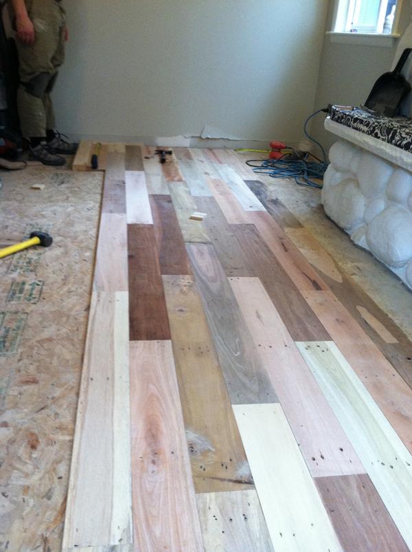pallet-wood-floor-02