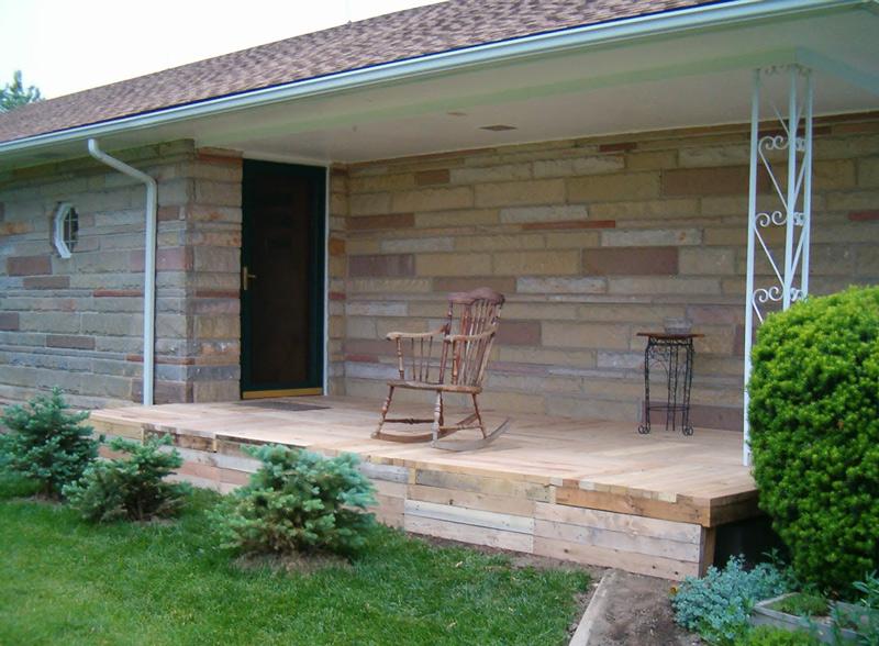 pallet-wood-front-porch-001