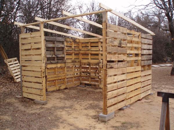 pallet-wood-shed-02