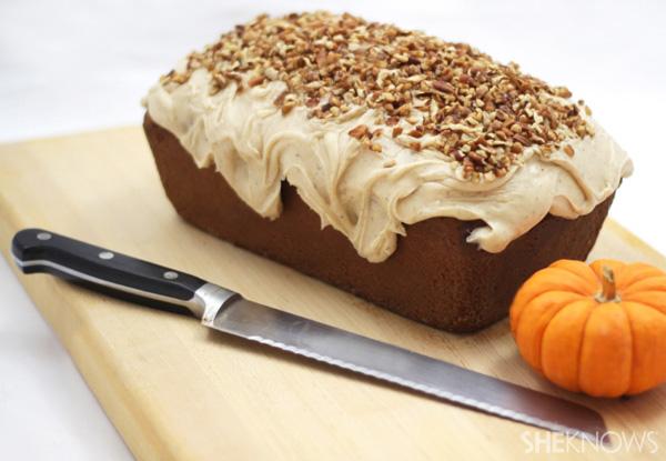 peekaboo pumpkin pound cake003