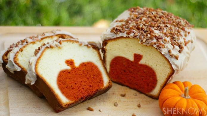 peekaboo pumpkin pound cake004