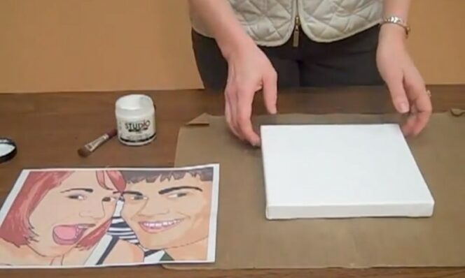Cover the Canvas With Gel, Stick the Photo and Soak It With Water, This Is How You Can Create Something Marvelous!