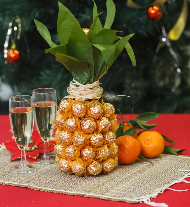 pineapple-champagne-bottle-fi