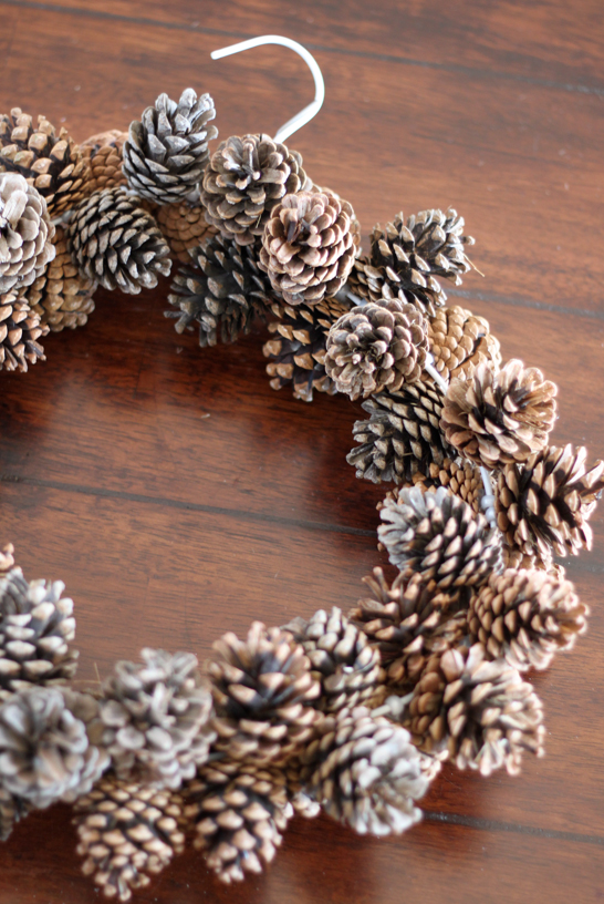 How To Make Pinecone Wreath Diy Amp Crafts Handimania